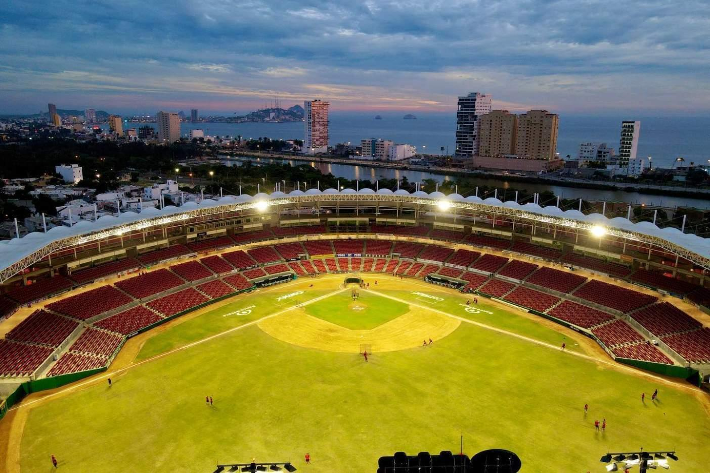 Un estadio de fútbol  Descripción generada automáticamente