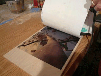 Hoàn thành in chuyển nhiệt lên gỗ