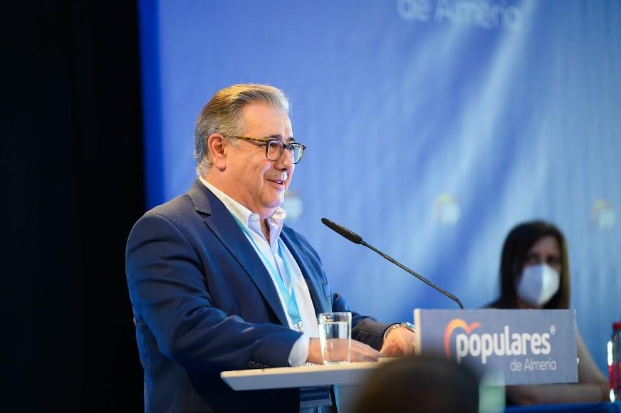 Momento de la intervención de Juan Ignacio Zoido en el congreso popular almeriense.