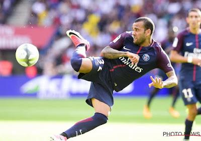 Dani Alves houdt het na twee seizoenen voor bekeken bij PSG