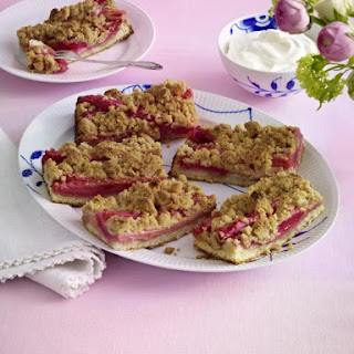 Rhubarb Streusel with Ginger