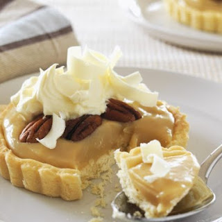 Caramel Tartlets with Nuts