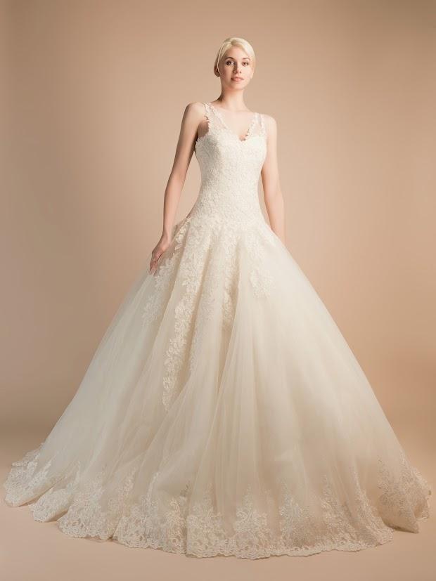 Robe de mariée Ariane, robe de mariée toute en dentelle, robe de mariage dentelle très élégante