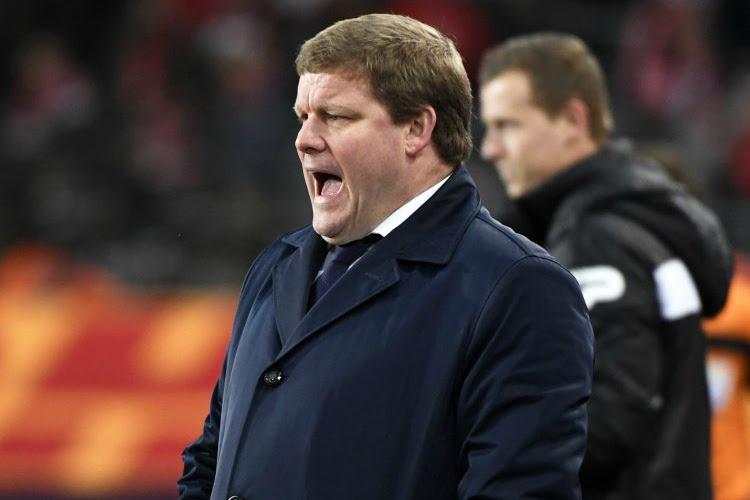 'Hein Vanhaezebrouck gaf een nieuwe donderpreek in de Anderlecht-kleedkamer, nóg furieuzer dan zondag'