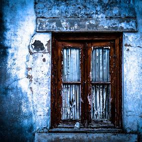 Janelas Abandonadas by Zulmira Relvas - Buildings & Architecture Homes (  )