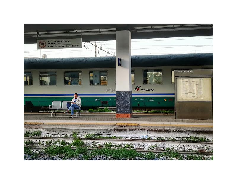 Waiting for Departure di Francesco Grano