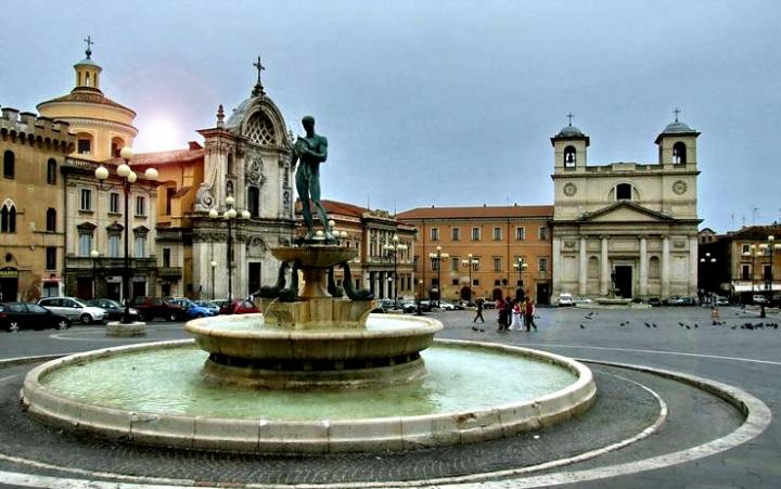 L'Aquila  Piazza Duomo...prima di LaDany