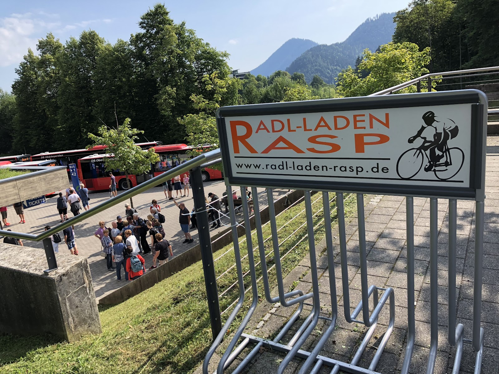 Bike climb up Kehlsteinhaus - Eagles Nest - bus stop and parking lot