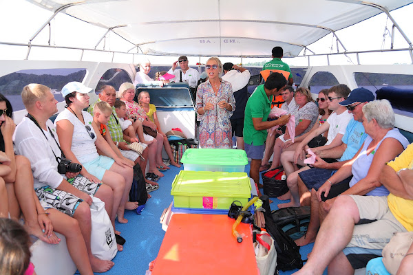 Ride by speed boat in less than 80 minutes to Similan Islands