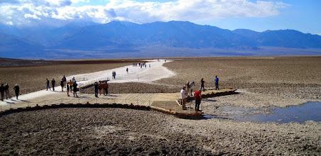 Photo: Badwater Basin, at 282 ft (86 m) below sea level, the lowest point in North America