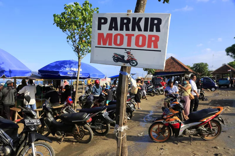 bike parking frauds - Is Bali safe for couples ? Common Scams in Bali.
