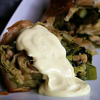 Asparagus Mushroom Strudel with Wild Garlic and Sauce Hollandaise Recipe