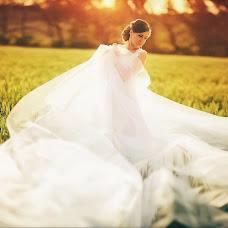 Wedding photographer Igor Bukhtiyarov (Buhtiyarov). Photo of 22.12.2013