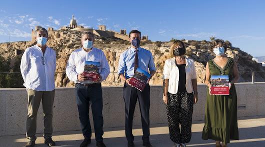 'Desde mi ventana', el gran libro de la Asociación Amigos de la Alcazaba