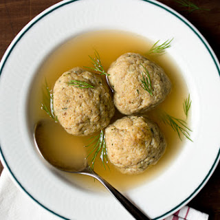 Aunt Gillie's Matzo Ball Soup