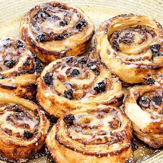 Festive Sugary Mince Swirls.