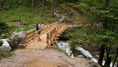 Photo: Nový most přes potok vytékající od vodopádu