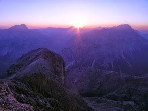 Photo: Baracca degli Alpini, północno-wschodnia grań Tofany di Dentro, włoskie Dolomity - w tle Croda Rossa i Monte Cristallo