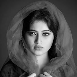 by Red Photography - Black & White Portraits & People