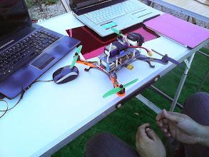 Photo: Preparando un Drone. Mira que le gustan a Toni todas estas tonterías :-p