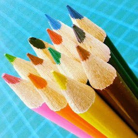 Colored pencil.. by Genesis Carabeo - Instagram & Mobile Android ( pencil, sharp, wood, colors )