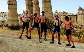 Горячие парни в долине Любви