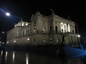 Photo: OPER ZÜRICH. Foto: Dr. Klaus Billand