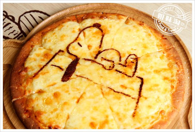 查理布朗咖啡經典楓糖起司披薩
