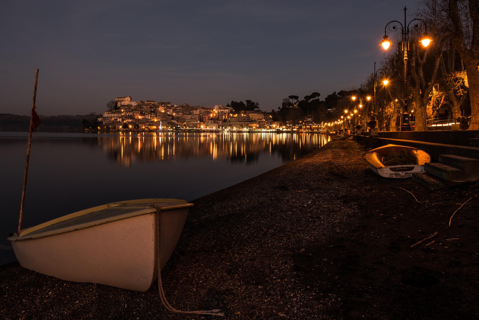 Angillara Sabazia in the night di servi_marco