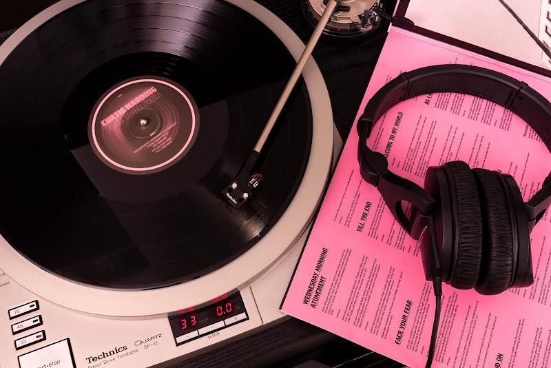 Pink album for a Black voice  di guazzini.com
