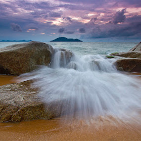 brunt of the waves by Yohanes Irawan - Landscapes Waterscapes ( singkawang, landscape )