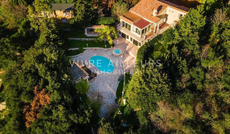 Villa with pool and terrace La Turbie