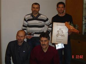 Photo: Vereinsmeisterschaft Männer 2008 Hinten: 2.Rang Emil Berger, 1. Rang Heinz Zosso, 3 Rang fehlt Stefan Strähl, Vorne: 4. Rang René Suter, 5. Rang fehlt Thomas Jurt, 6. Rang Josef Zuber