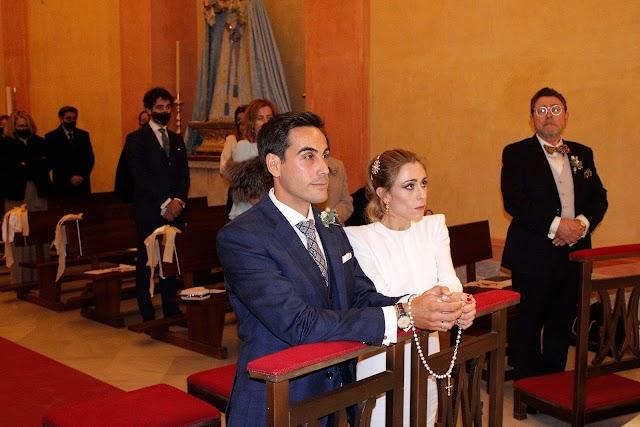Los contrayentes durante la ceremonia del enlace matrimonial.