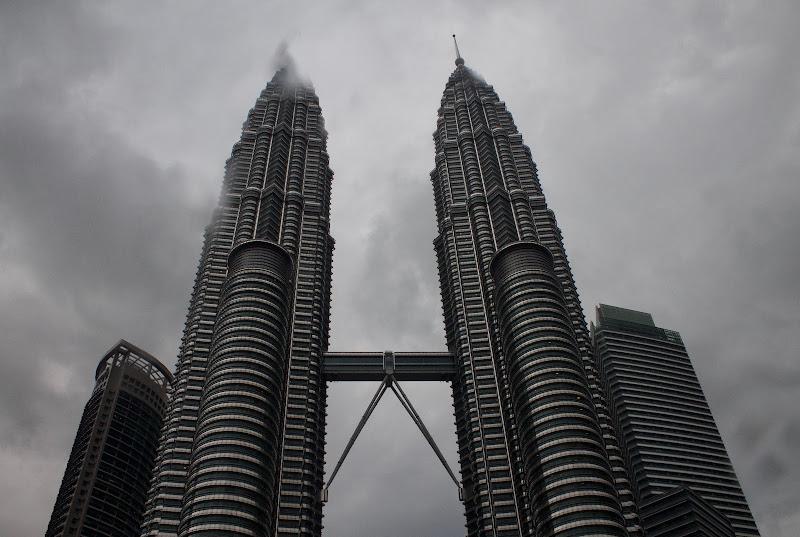 Temporale sopra le Petronas di Mihaela Robu