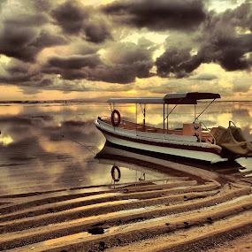 a cloudy morning by Putu Yustiantara - Landscapes Sunsets & Sunrises