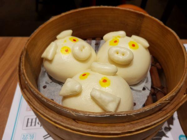 點點心Dimdimsum Taiwan。台中新光三越。香港人氣點心來台。大推豬豬流沙包和金絲龍鬚蝦@ S先生與R小姐の吃喝玩樂