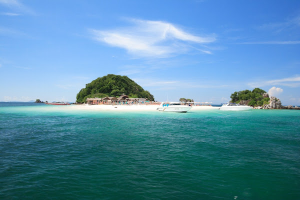 First stop at Koh Khai Island for snorkeling