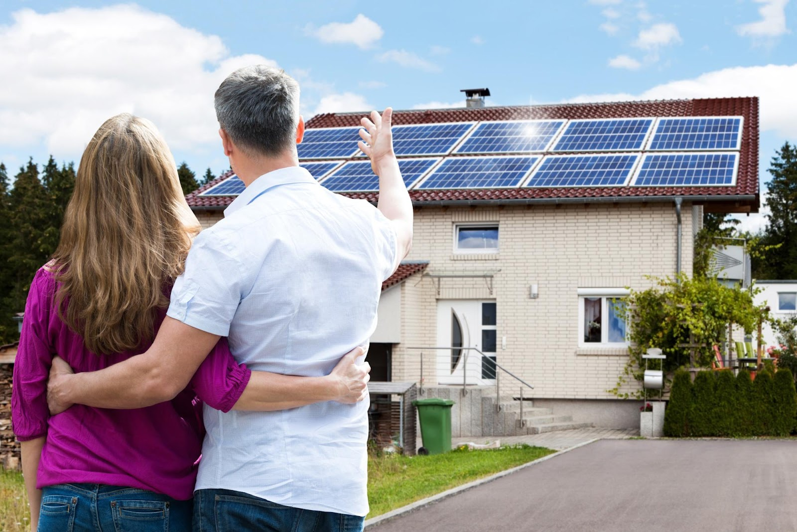 benefits of switching to solar