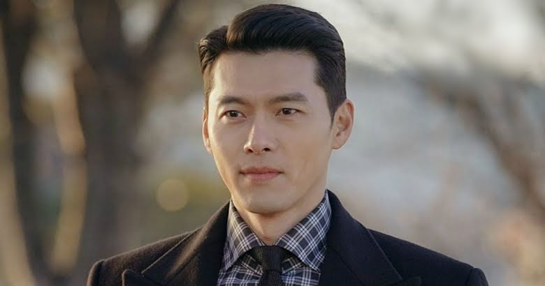 """3 Heart-Stopping GIFs of Actor Hyun Bin That Have Resurfaced Since """"Crash  Landing On You"""" - Koreaboo"""