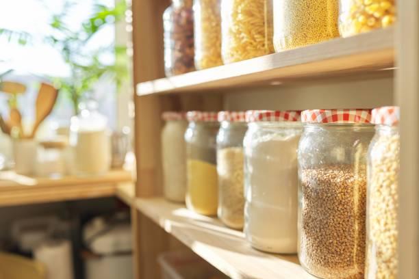 Kitchen organization: an organized pantry
