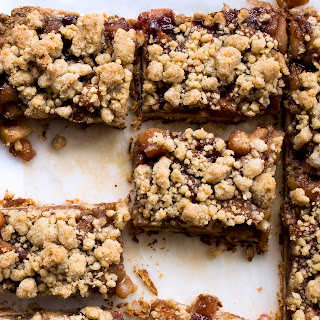 Get Your Much-Needed Fruit Fix with Apple-Raspberry Crumb Bars