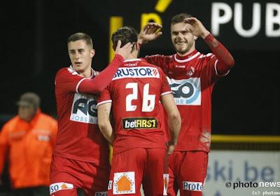 KV Kortrijk dankt trefzekere Thanasis Papazoglou en haalt het makkelijk van erg zwak STVV