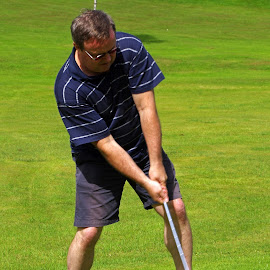 Tee-off by Ingrid Anderson-Riley - Sports & Fitness Golf