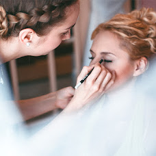 Wedding photographer Vikulya Yurchikova (vikkiyurchikova). Photo of 05.10.2015