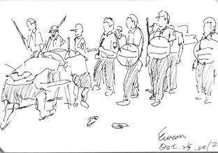 Photo: 演習2010.10.25鋼筆 長官緊張兮兮 幹部莫名其妙 基層覺得無聊 人犯一直偷笑 啊~ 演習 怎麼看都像鬧劇一場!