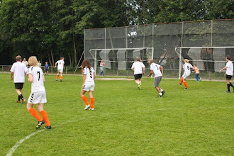 Photo: Het damesteam in actie