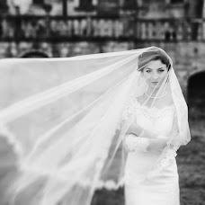Wedding photographer Viktoriya Dovbush (VICHKA). Photo of 06.03.2014