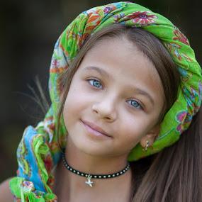 suzi by Anna Anastasova - Babies & Children Child Portraits ( girl child, child, children portrait, girl, child photography )
