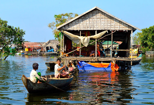 vietnam-fishing-village.jpg -  A commonplace floating village along Vietnam's Mekong River.